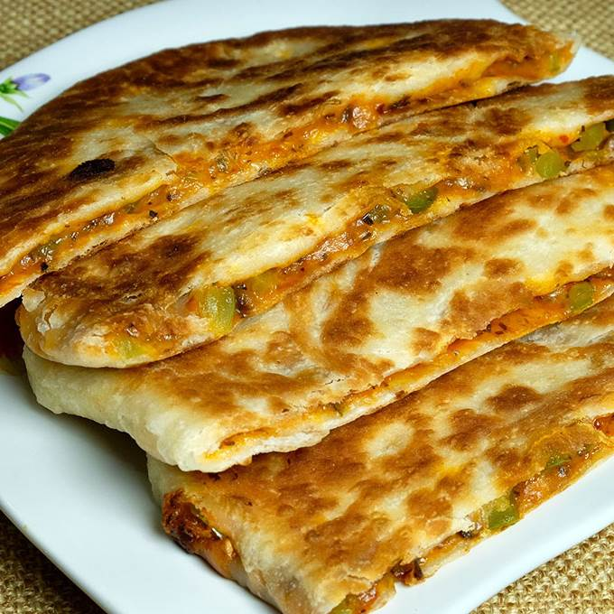 /Content/Products/ProductImages/2207/Pizza-Pratha-What-a-Paratha1.jpg