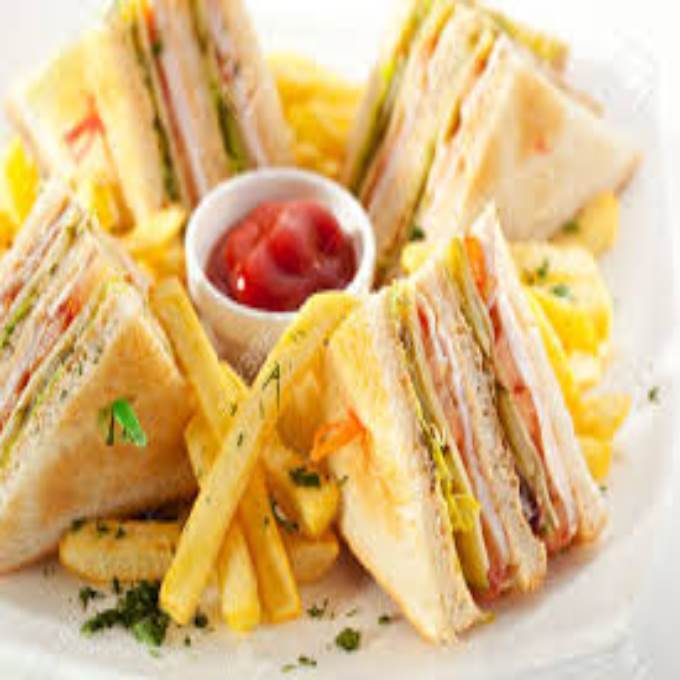 /Content/Products/ProductImages/7338/Club-Sandwich-with-Fries1.jpg