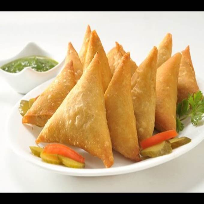 /Content/Products/ProductImages/8550/Chicken-Cheese-Samosa--1-Dozen1.jpg