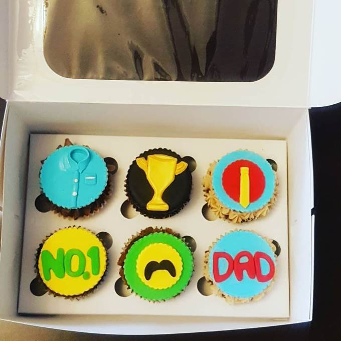 /Content/Products/ProductImages/8623/Dad-Cupcake-Each1.jpg
